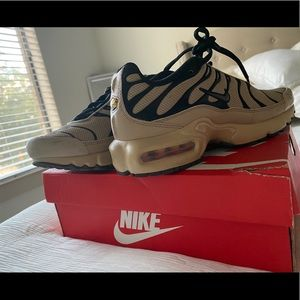 Nike Shoes - Cream and black air max shoes